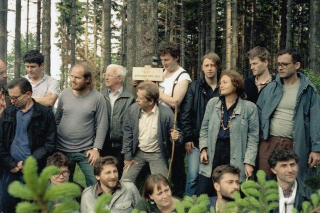 Setkání s polskými disidenty na Borůvkové hoře v roce 1987 | foto: Post Bellum
