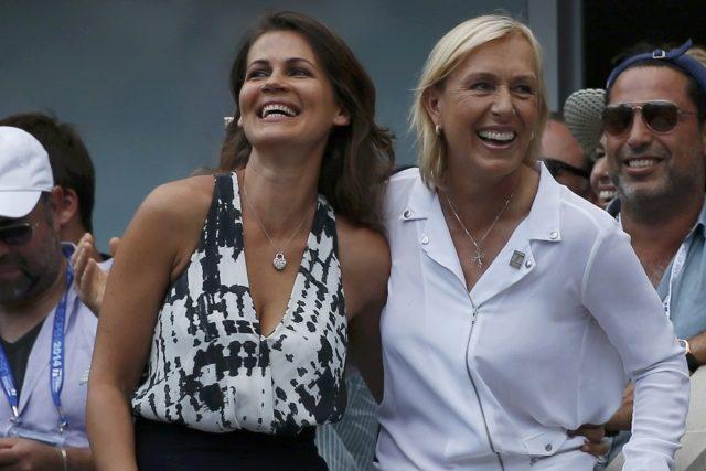 Martina Navrátilová požádala na centrálním dvorci v průběhu US Open o ruku svoji přítelkyni   foto: Reuters