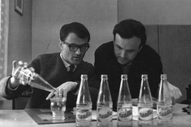 Jiří Šebánek a Zdeněk Svěrák vysílali pořad Vinárna U pavouka poprvé 23. prosince 1966 | foto:  Archiv ČRo