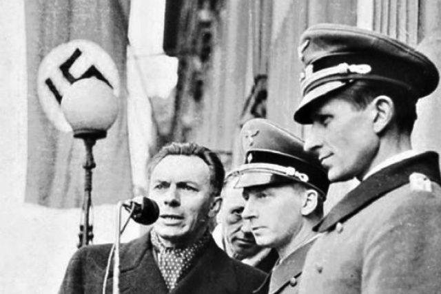 František Kocourek komentuje nacistickou vojenskou přehlídku na Václavském náměstí   foto: Archivní a programové fondy Českého rozhlasu