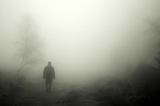 chodec, mlha, krimi, zločin