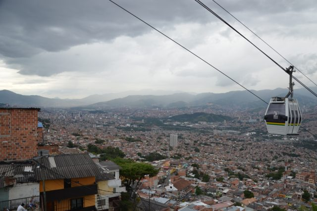 Není divu,  že se v takových kopcích využije lanovka jako MHD   foto: David Koubek,  Český rozhlas