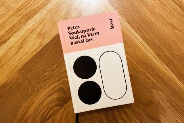 Kniha Petry Soukupové Věci,  na které nastal čas   foto: Jonáš Zbořil,  Český rozhlas,  Český rozhlas
