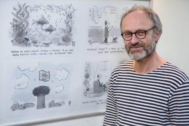 Miroslav Kemel u své výstavy Humor v době korony | foto: Andrea Filičková,  Český rozhlas,  Český rozhlas